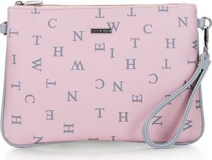 Różowa torebka Wittchen w młodzieżowym stylu z nadrukiem