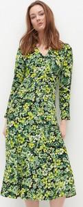 Zielona sukienka Reserved z szyfonu