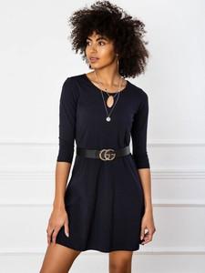 Czarna sukienka Sheandher.pl z długim rękawem z okrągłym dekoltem z bawełny