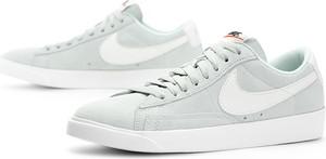 Trampki Nike z zamszu z płaską podeszwą sznurowane