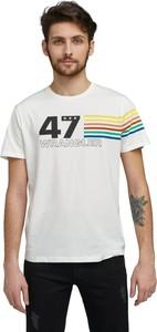 T-shirt Wrangler w młodzieżowym stylu z bawełny z krótkim rękawem
