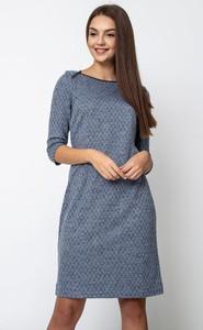 Sukienka QUIOSQUE z okrągłym dekoltem prosta w stylu casual