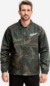 Zielona kurtka Carhartt w militarnym stylu
