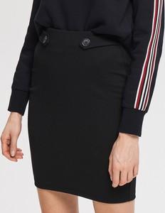 Czarna spódnica Reserved w młodzieżowym stylu z dzianiny