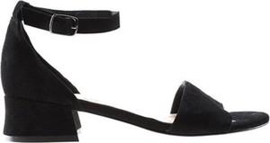Czarne sandały Lasocki z klamrami