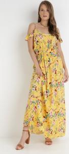 Żółta sukienka born2be w stylu boho maxi z dekoltem w kształcie litery v