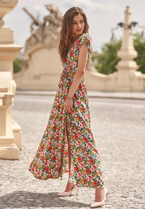 Sukienka Renee z krótkim rękawem z dekoltem w kształcie litery v