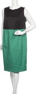 Zielona sukienka Your Sixth Sense bez rękawów z okrągłym dekoltem