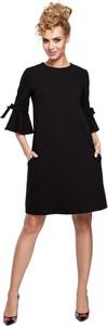 Sukienka MOE z długim rękawem z okrągłym dekoltem trapezowa