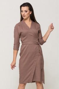 Sukienka VISSAVI z dekoltem w kształcie litery v w stylu casual