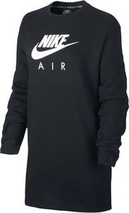 Czarna sukienka Nike z długim rękawem mini w sportowym stylu