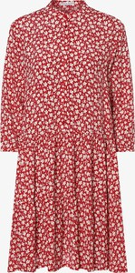 Czerwona sukienka Marie Lund w stylu casual