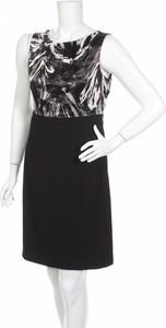 Sukienka 212 Collection prosta bez rękawów z okrągłym dekoltem