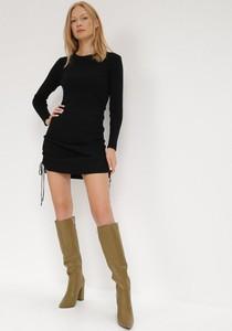 Czarna sukienka born2be mini w stylu casual z długim rękawem