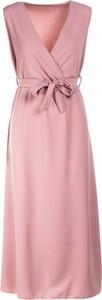 Różowa sukienka Multu z dekoltem w kształcie litery v