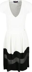 Sukienka Trussardi Jeans bez rękawów z dekoltem w kształcie litery v w stylu casual