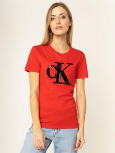 Czerwony t-shirt Calvin Klein z krótkim rękawem z okrągłym dekoltem