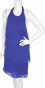 Niebieska sukienka Cnc Costume National z okrągłym dekoltem mini prosta