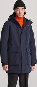 Granatowa kurtka Reserved w młodzieżowym stylu