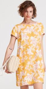 Sukienka Reserved mini z okrągłym dekoltem w stylu casual