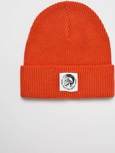 Pomarańczowa czapka Diesel