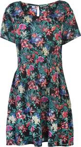 Sukienka Nvme w stylu casual z okrągłym dekoltem z krótkim rękawem