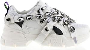 Sneakersy Vices w młodzieżowym stylu na platformie sznurowane