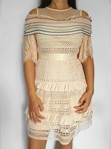 Sukienka Danity z okrągłym dekoltem midi