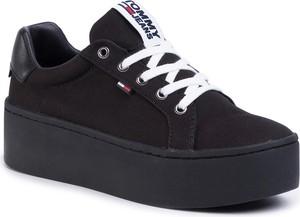 Czarne buty sportowe Tommy Jeans na platformie ze skóry ekologicznej
