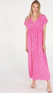 Różowa sukienka Unisono maxi w stylu casual z tkaniny