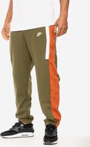 Zielone spodnie sportowe Nike z bawełny