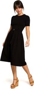 Czarna sukienka MOE rozkloszowana z bawełny