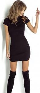 Czarna sukienka Ivon mini z krótkim rękawem