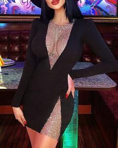 Sukienka Kendallme dopasowana mini z dekoltem w kształcie litery v