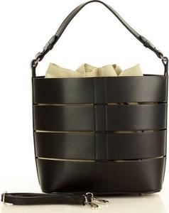 Czarna torebka Merg matowa do ręki średnia