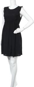 Czarna sukienka Envie de Fraise bez rękawów mini z okrągłym dekoltem