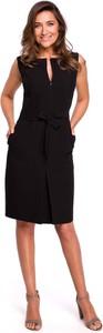 Czarna sukienka MOE z dekoltem w kształcie litery v bez rękawów