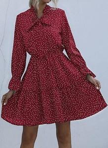 Czerwona sukienka Cikelly z dekoltem w kształcie litery v z długim rękawem mini