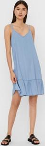 Niebieska sukienka WARESHOP z dekoltem w kształcie litery v na ramiączkach