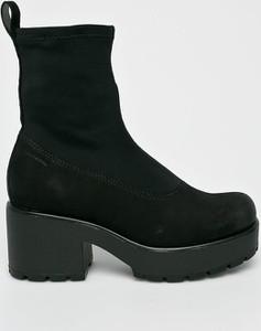 Czarne botki Vagabond w stylu casual z zamszu