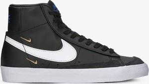 Czarne buty sportowe Nike ze skóry z płaską podeszwą w sportowym stylu