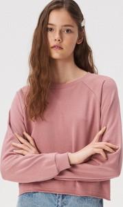 Różowa bluza Sinsay krótka w młodzieżowym stylu