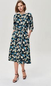 Sukienka FEMESTAGE Eva Minge z długim rękawem z tkaniny