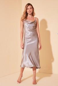 Sukienka Trendyol na ramiączkach prosta midi