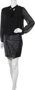 Czarna sukienka Lauren Vidal z długim rękawem