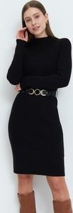 Czarna sukienka Mohito z golfem