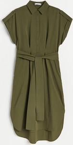 Zielona sukienka Reserved szmizjerka z krótkim rękawem z kołnierzykiem