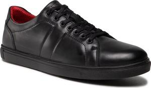 Czarne buty sportowe Wojas sznurowane ze skóry