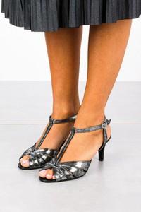 Sandały Casu ze skóry w stylu klasycznym na obcasie