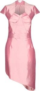 Sukienka Fokus z krótkim rękawem z dekoltem w kształcie litery v